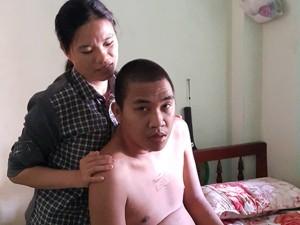Cổ tích cô gái trẻ đòi cưới người đàn ông bại liệt