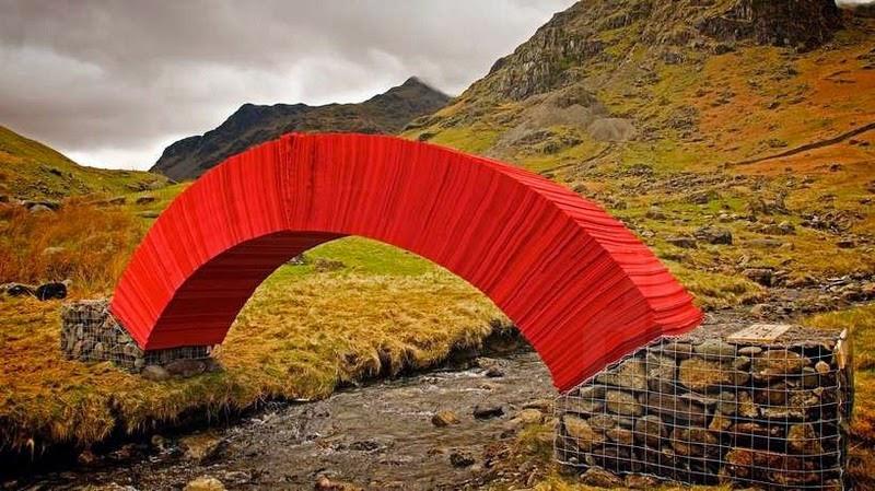 Độc và lạ cây cầu làm bằng giấy người có thể đi qua - 4