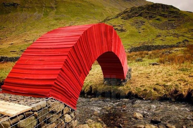 Độc và lạ cây cầu làm bằng giấy người có thể đi qua - 3