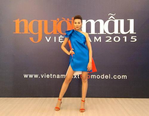 Thời trang hàng hiệu của Thanh Hằng trên ghế nóng - 14