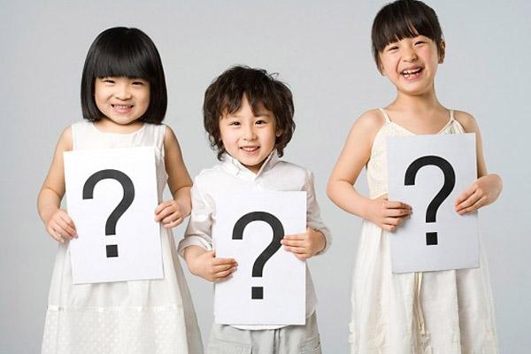 """Khổ sở bịa chuyện khi trẻ hỏi """"con sinh ra từ đâu?"""" - 1"""