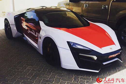 Cảnh sát Dubai 'khoe' siêu xe Lykan Hypersport mới - 2