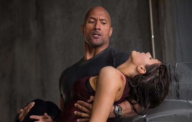 Trong phim, & nbsp;Alexandra vào vai & nbsp;Blake, cô con gái xinh đẹp, dũng cảm, lanh lợi của  The Rock  & nbsp;Dwayne & nbsp;Johnson.
