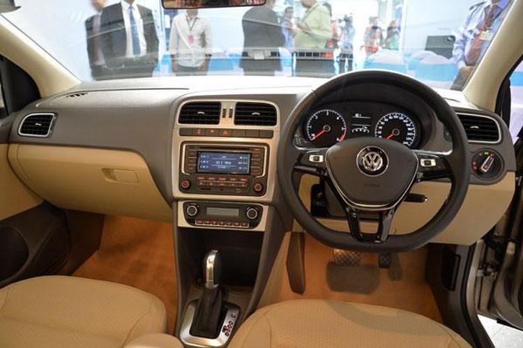 Volkswagen Vento 2015 giá 12.300 USD khiến dân Việt 'thèm' - 3