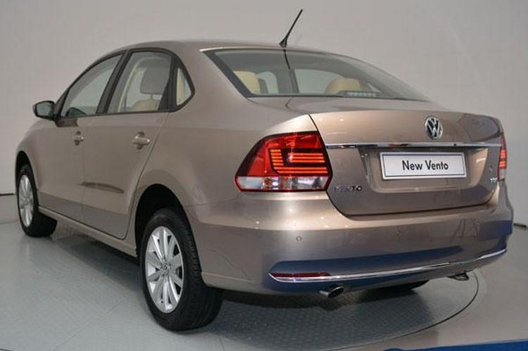 Volkswagen Vento 2015 giá 12.300 USD khiến dân Việt 'thèm' - 2