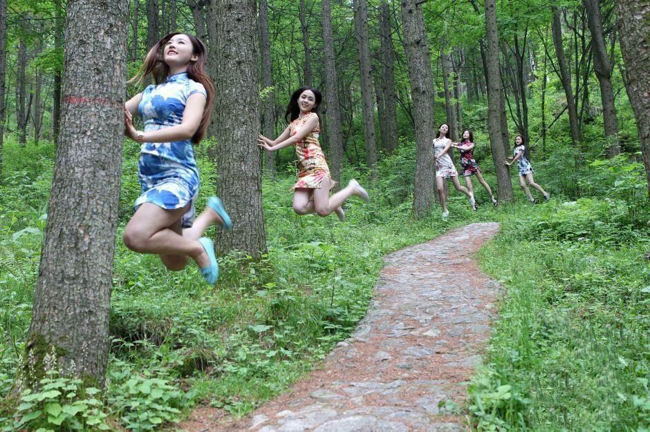 """Bộ ảnh """"luyện bay"""" ấn tượng của nữ sinh đại học - 5"""