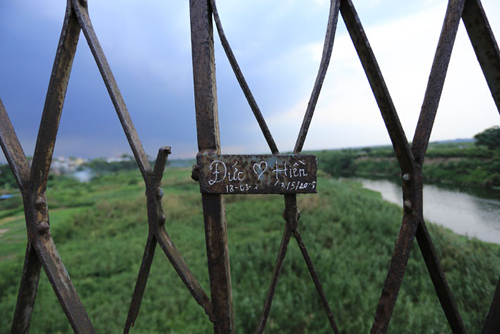 Khóa tình yêu ở Hà Nội bị phá trước cả Paris - 15