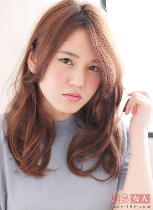 12 kiểu tóc Nhật, Hàn giúp nàng công sở thêm xinh - 8