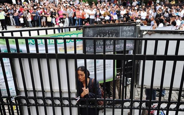Trung Quốc: Sĩ tử chuẩn bị bước vào kỳ thi khắc nghiệt nhất năm - 10