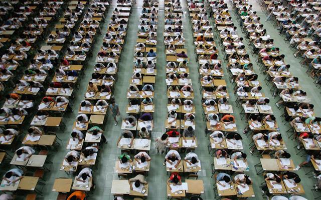 Trung Quốc: Sĩ tử chuẩn bị bước vào kỳ thi khắc nghiệt nhất năm - 7