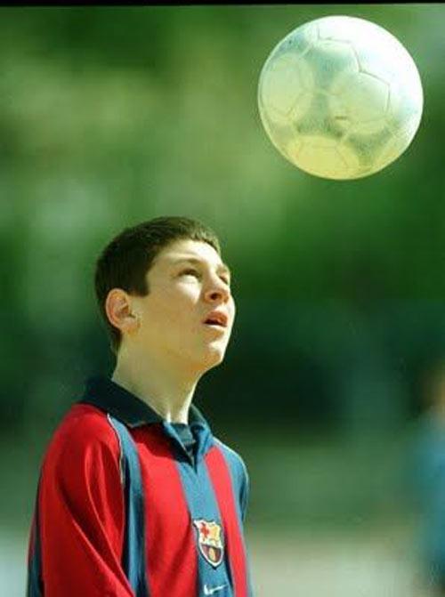 """Messi và Tevez: Thiên tài đối đầu """"Người hùng nhân dân"""" - 2"""