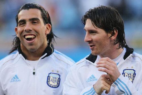 """Messi và Tevez: Thiên tài đối đầu """"Người hùng nhân dân"""" - 3"""