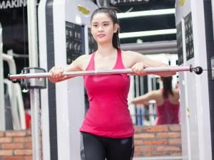 Ngắm Trương Quỳnh Anh gợi cảm tập gym