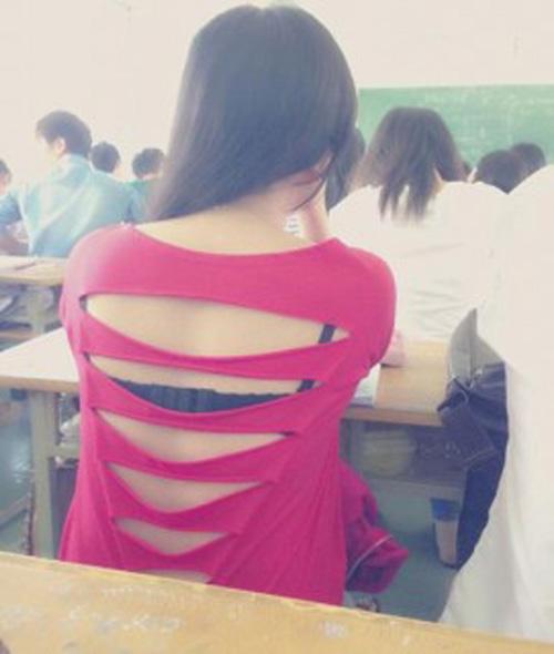 Kiểu mặc phản cảm của thiếu nữ Việt lại lên báo Thái - 1