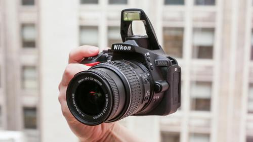 Đánh giá Nikon D5500: Rẻ và nhỏ gọn - 2