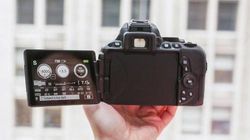 Đánh giá Nikon D5500: Rẻ và nhỏ gọn - 7