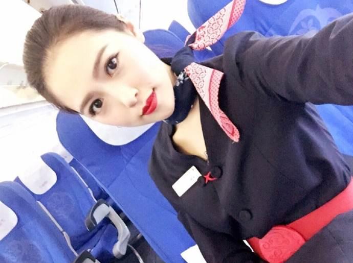 Nữ sinh hàng không xinh đẹp tinh khiết - 11