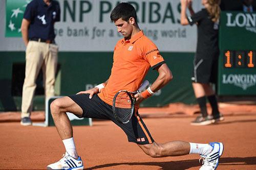 """Tin HOT 6/6: Nghi án Djokovic chơi """"tiểu xảo"""" Murray - 1"""