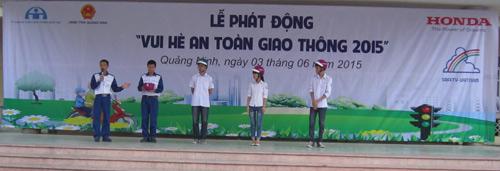 Honda VN trao tặng 1.000 mũ bảo hiểm cho học sinh tại tỉnh Quảng Ninh - 2