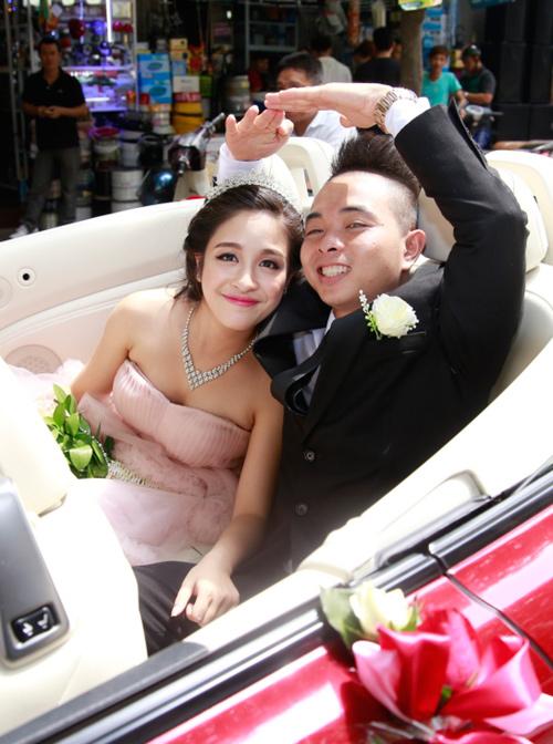 Phúc Bồ rước cô dâu hot girl bằng xe mui trần - 1