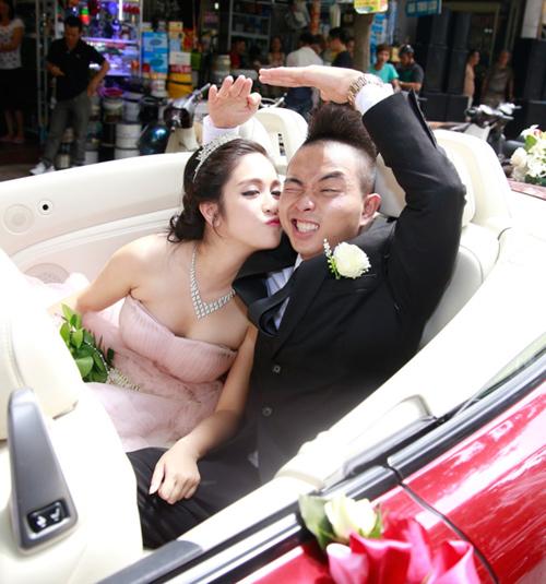 Phúc Bồ rước cô dâu hot girl bằng xe mui trần - 2