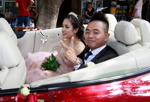 Phúc Bồ rước cô dâu hot girl bằng xe mui trần - 3