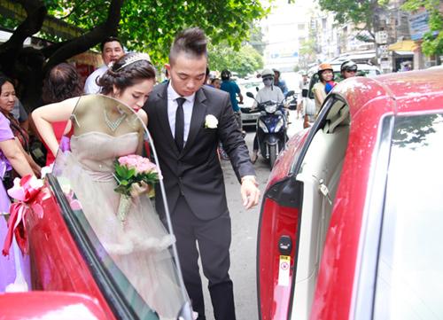 Phúc Bồ rước cô dâu hot girl bằng xe mui trần - 5