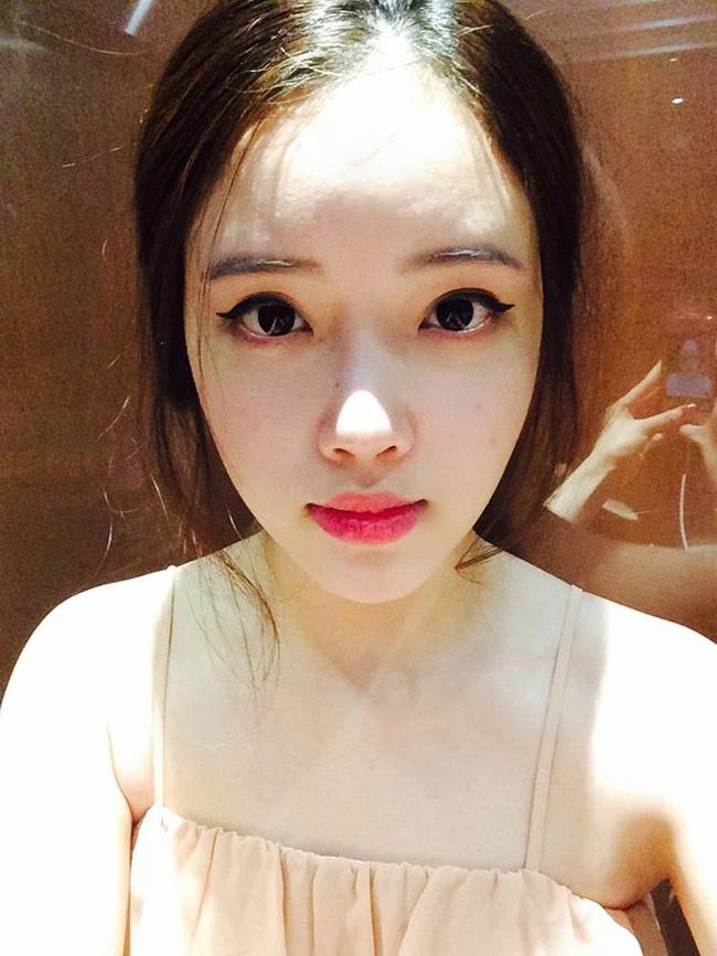 Em gái hoa hậu Mai Phương Thúy tên là Mai Ngọc Phượng (sinh năm 1993) là sinh viên trường & nbsp;ĐH Columbia, Vancouver, Canada