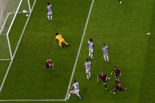 Rakitic đi vào lịch sử Barca và Champions League - 3