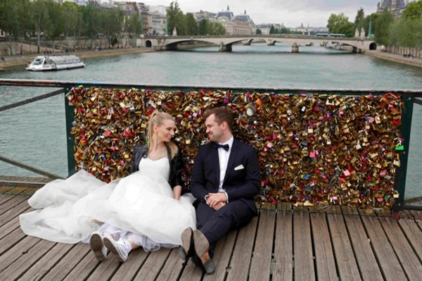 Ngắm cầu khóa tình yêu ở Pháp trước khi bị phá bỏ - 7