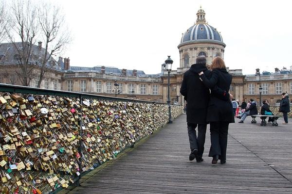 Ngắm cầu khóa tình yêu ở Pháp trước khi bị phá bỏ - 5