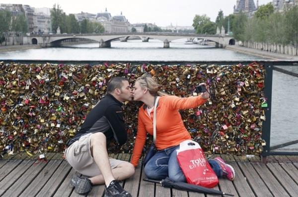 Ngắm cầu khóa tình yêu ở Pháp trước khi bị phá bỏ - 16