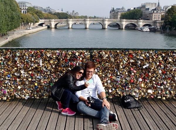Ngắm cầu khóa tình yêu ở Pháp trước khi bị phá bỏ - 14