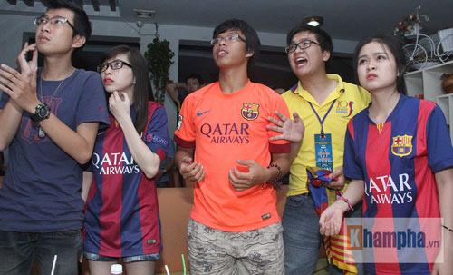 Fan Việt lạc giọng vì cú ăn 3 huyền diệu của Barca - 11