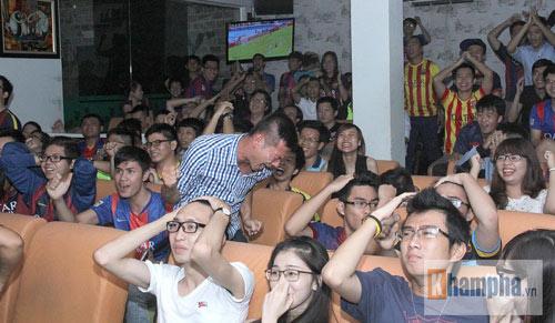 Fan Việt lạc giọng vì cú ăn 3 huyền diệu của Barca - 4