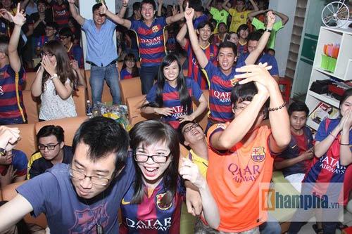 Fan Việt lạc giọng vì cú ăn 3 huyền diệu của Barca - 1