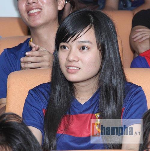 Fan Việt lạc giọng vì cú ăn 3 huyền diệu của Barca - 9