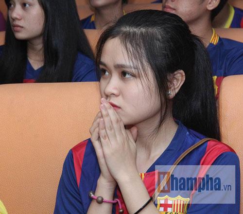 Fan Việt lạc giọng vì cú ăn 3 huyền diệu của Barca - 10