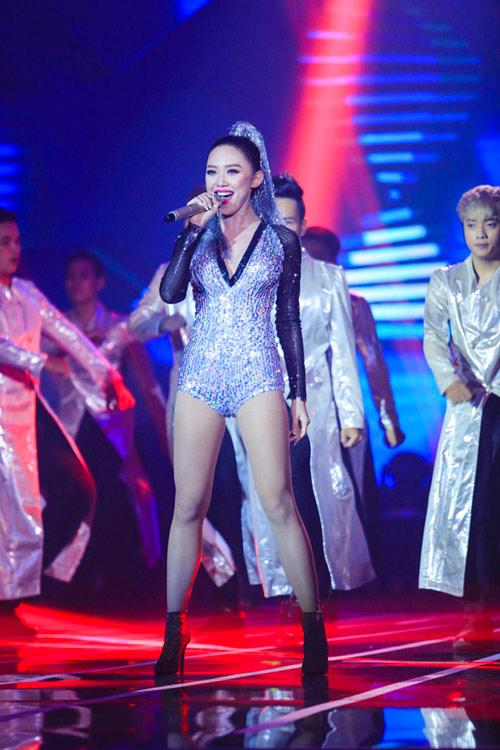 9 bộ cánh hot nhất tuần qua của mỹ nhân showbiz Việt - 11