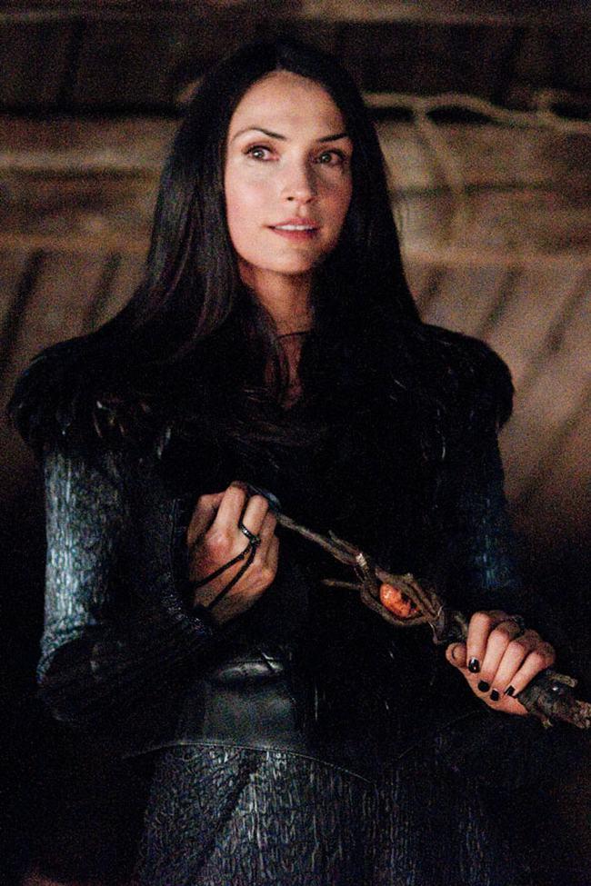 Những nàng phù thủy quyến rũ nhất màn ảnh - 9