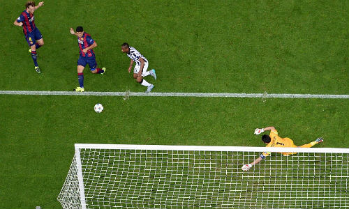 "Luis Suarez: ""Quái thú"" trong lòng Nou Camp - 1"