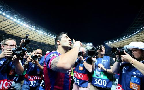 "Luis Suarez: ""Quái thú"" trong lòng Nou Camp - 3"