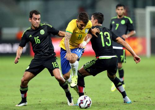 Brazil - Mexico: Bước chạy đà hoàn hảo - 1