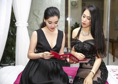 Trang Nhung diện váy đen khoe làn da trắng sứ - 3