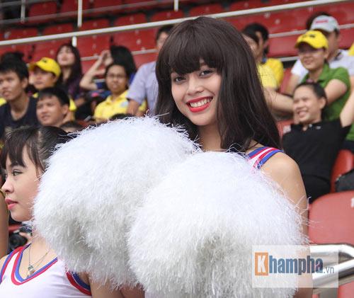 Dàn hot girl quy tụ tại giải bóng đá sinh viên TP.HCM - 3