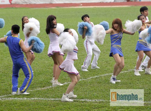 Dàn hot girl quy tụ tại giải bóng đá sinh viên TP.HCM - 4