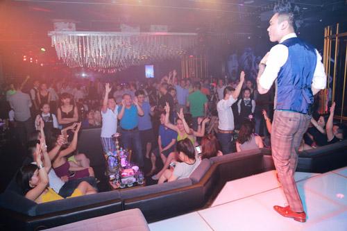 Khắc Việt bất ngờ trước tình cảm của fan - 6