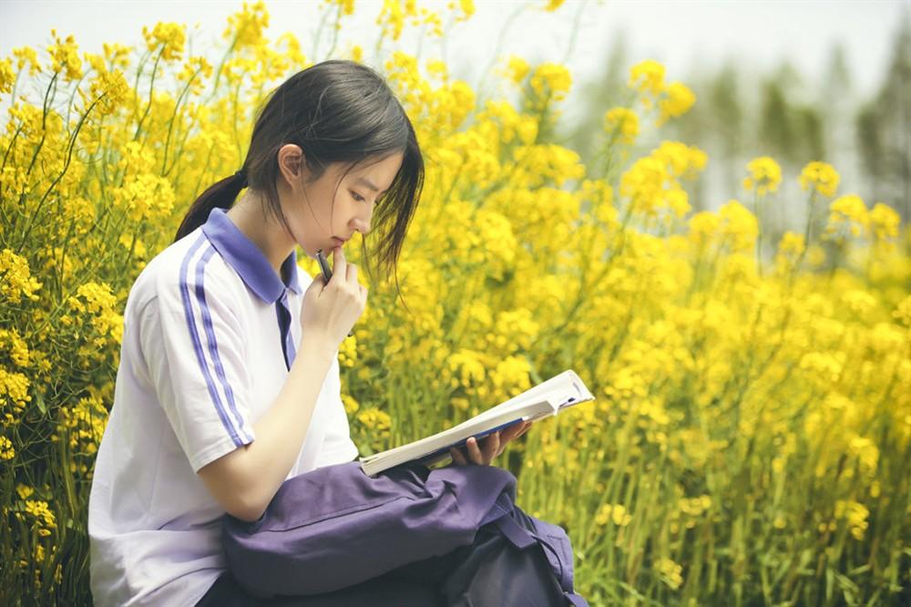 """Lưu Diệc Phi vào vai nữ sinh 17 tuổi """"ăn cơm trước kẻng"""" - 7"""