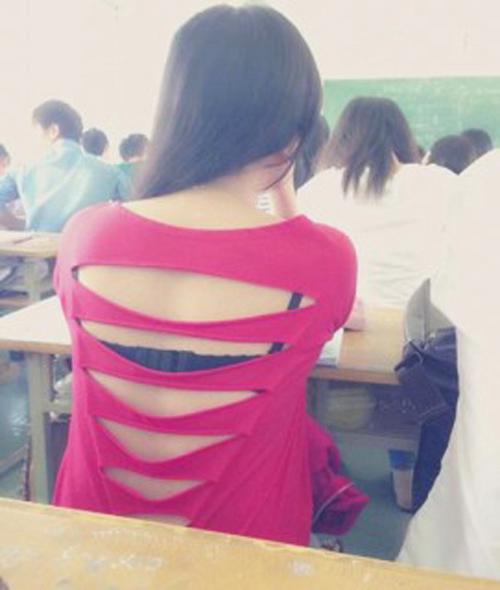 Sốc vì thiếu nữ hớ hênh nội y trên ghế nhà trường - 2