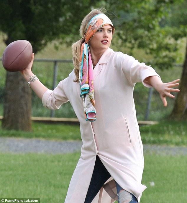 Sự thật về gia tài đóng phim của siêu vòng 1 Kate Upton - 12